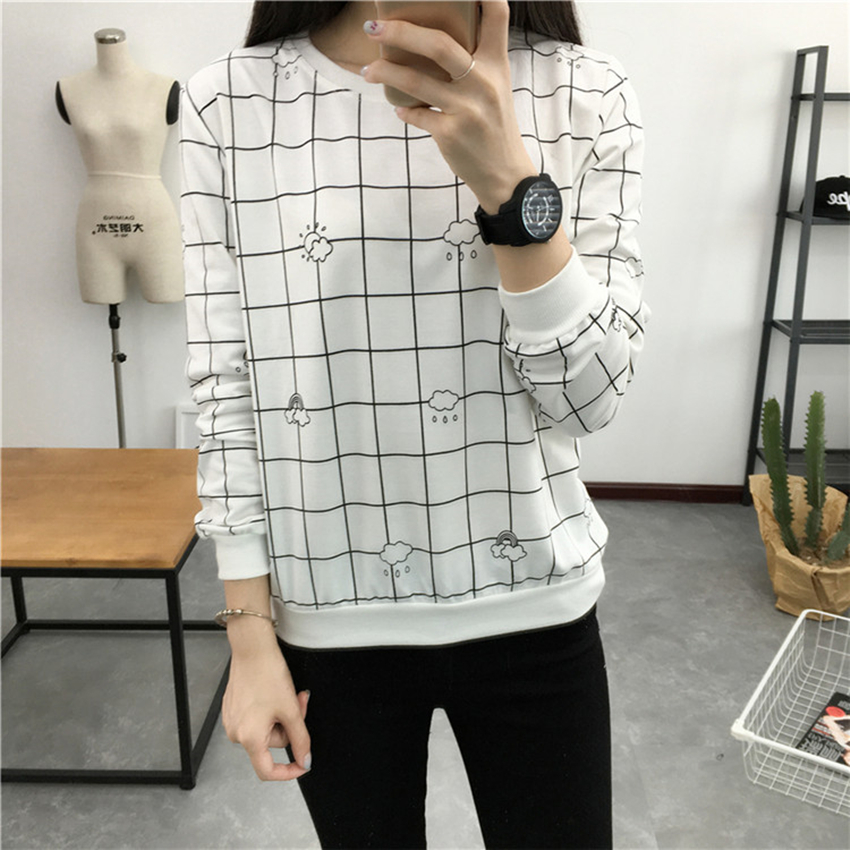 2016 Hitz Korean Hedging Long-sleeved Round Neck T shirt Women Black and White Plaid Tops Loose Cloud Printed Cute T shirts XXL(China (Mainland))