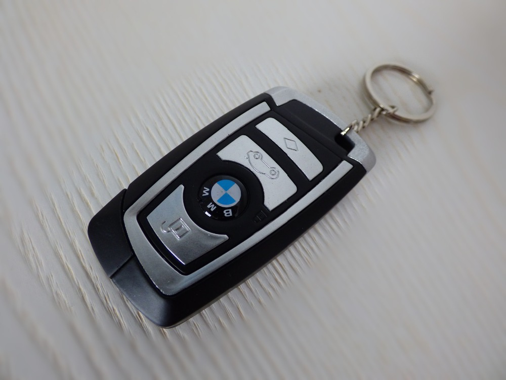 CAR KEYCHAIN TURBO GAS LIGHTER REFILLABLE METAL MATERIAL(China (Mainland))