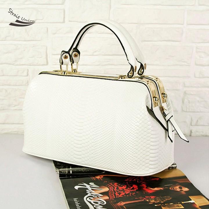 2013 New Fashion Retro European Crocodile Pattern Women Leather Handbag Shoulder Purse Tote OL Noble Doctor Bag F<br><br>Aliexpress