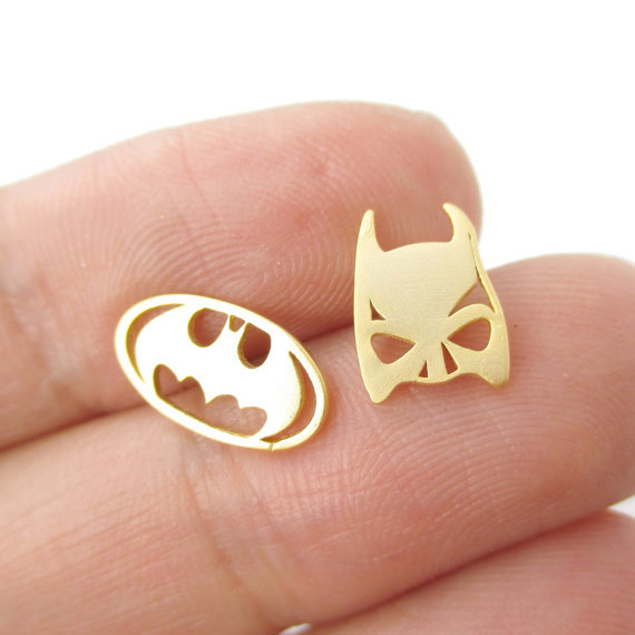 10pcs/lot Batman Themed Bat Mask and Logo 2015 Stud Earrings Gold Silver Rose Gold Super Heroes Simple Wholesale Ear Studs E076(China (Mainland))