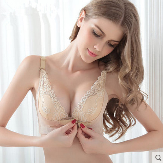 hot small chested women