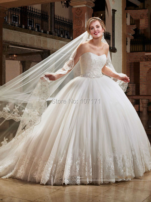 Buy Vintage 2016 Ball Gown Wedding Dresses Strapless Beadings Lace Tulle Bridal