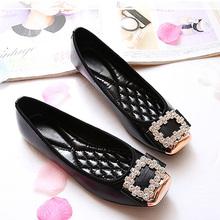 Élégante place strass en cuir souple femmes Flats marque chaussures femme chaussures bateau occasionnels mesdames Flats , Plus la taille 42 livraison gratuite(China (Mainland))
