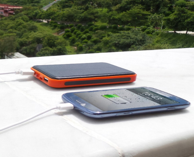 2015 New 30000mah Waterproof solar power bank bateria externa solar charger powerbank for all mobile phone for pad Fast shipping
