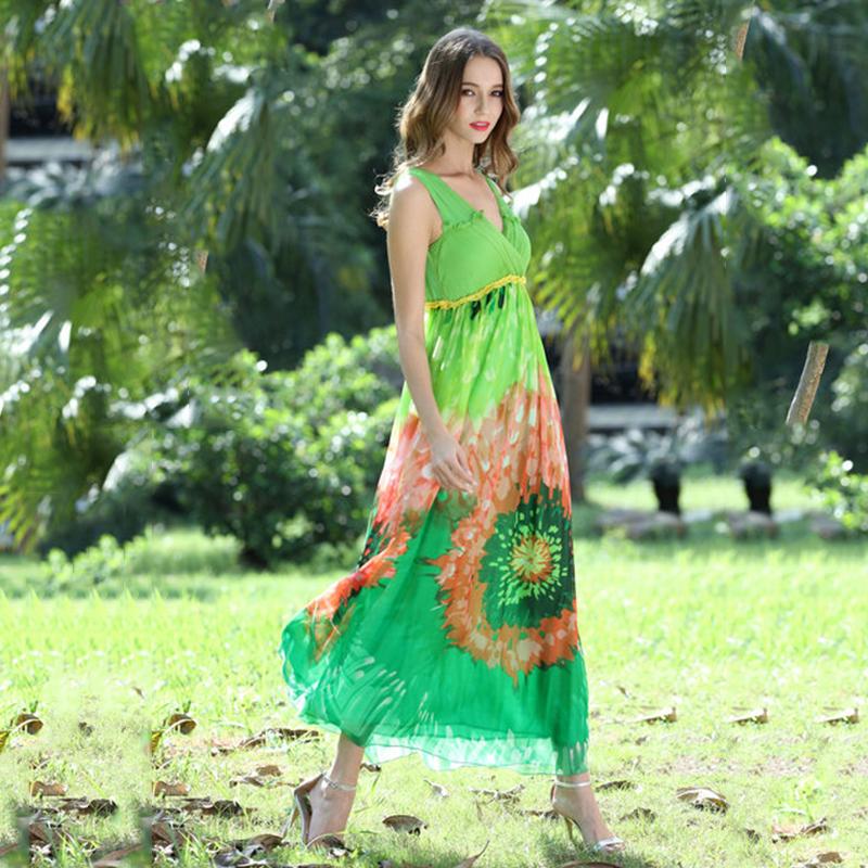 The new show thin Bohemia v-neck sleeveless silk dress is on holiday beach(China (Mainland))