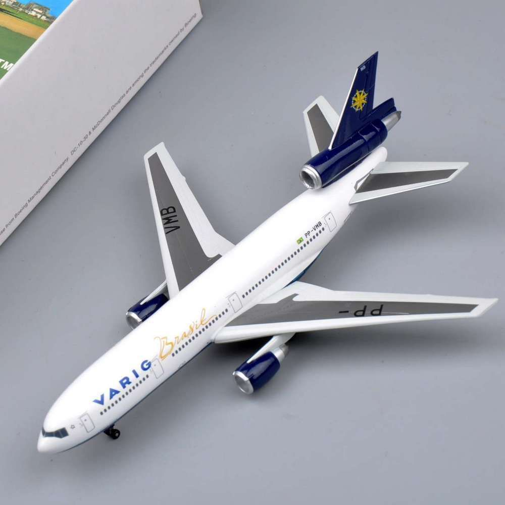 1:400 Scale Model Airplanes Dragon VARIG BRASIL DC-10-30 Airliner DieCast Air Plane Models Collectible Aircraft Toys Gift(China (Mainland))