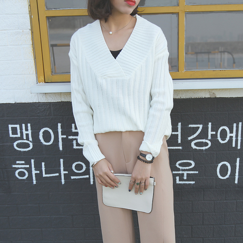Autumn New South Korean Moco with a deep pit V sexy Striped Knit Sweater Girl(China (Mainland))