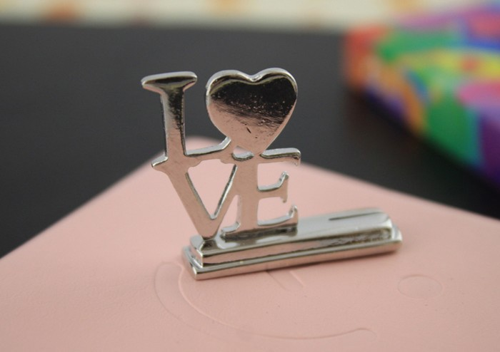 """Fashionable Design !! Silver Stainless Steel """"LOVE"""" Style Table Wedding Place Card Holders(China (Mainland))"""
