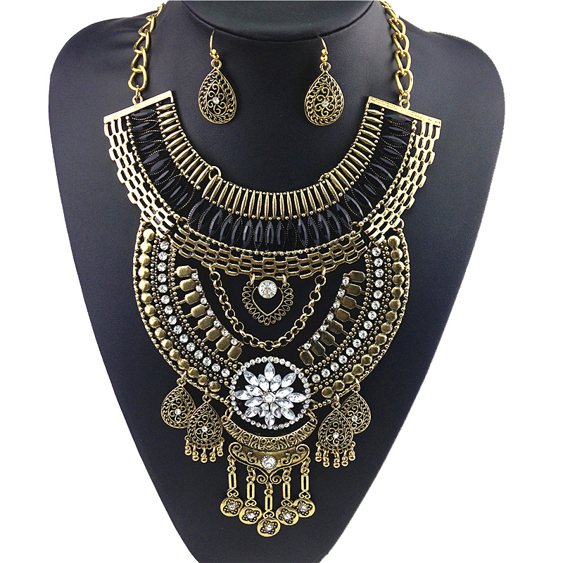 2016 Women's Fashion Bohemian Fringed Stainless Steel Necklaces Pendant Necklace Magnetic Sound Big Pendant Long Chain Necklaces(China (Mainland))