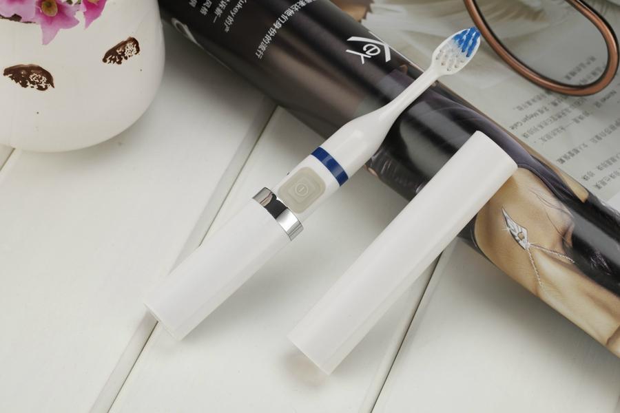 Bateria eletrônico ultra escova de dentes elétrica Rotary à prova d ' água elástico macio bicos higiene Oral 4 cor Dental Care