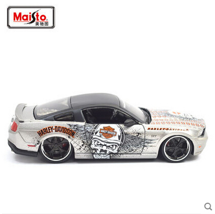 1/24 MAISTO 2011 Mustang GT HD #32170 Diecasts Collection Scale Car Models(China (Mainland))