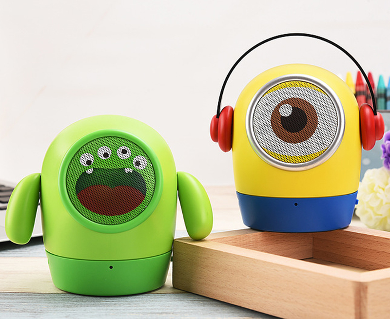 New Mini Bluetooth speaker Cute Minions Portable Handsfree Wireless Speaker with Mic Support TF card Aux-in for iPhone Xiaomi(China (Mainland))