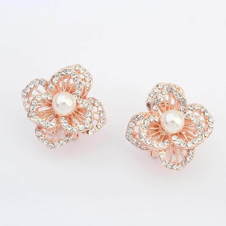Trendy Fashion Luxury Rose Gold Plated Clip Earrings Women Flower Ear Cuff White Pearl Earring Pendientes Accessories - Zhejiang Yami E-Commerce Co., Ltd store
