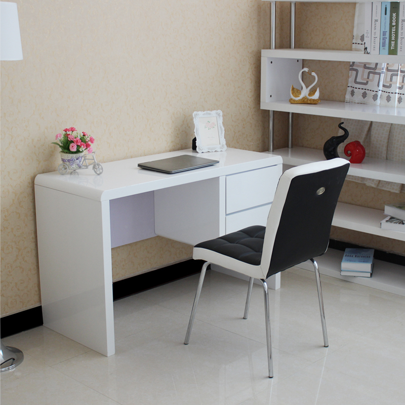 Corner Desk In Bedroom