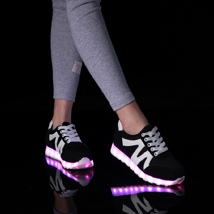 2017 Summer Led Shoes Lovers Couple 7Color Light Up led shoes for adults glowing Luminous Shoes simulation sole with gift