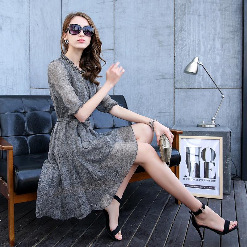 2015 a primavera eo verão de grande sucesso novo vestido de seda com o longo de seda e de alta qualidade grande terno magro(China (Mainland))