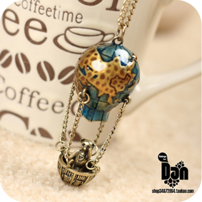 Free Shipping Wholesale Fashion Personality Accessories Vintage Travel Globe Panda Necklaces Pendants For Women Jewelry A377