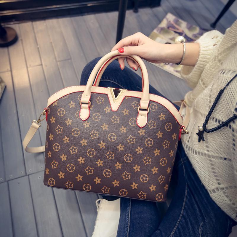2016 New Women Messenger Bags Famous Brand Designer Floral Stars Print Handbag Ladies Luxury V Logo Shoulder Bag Leather bolsa(China (Mainland))