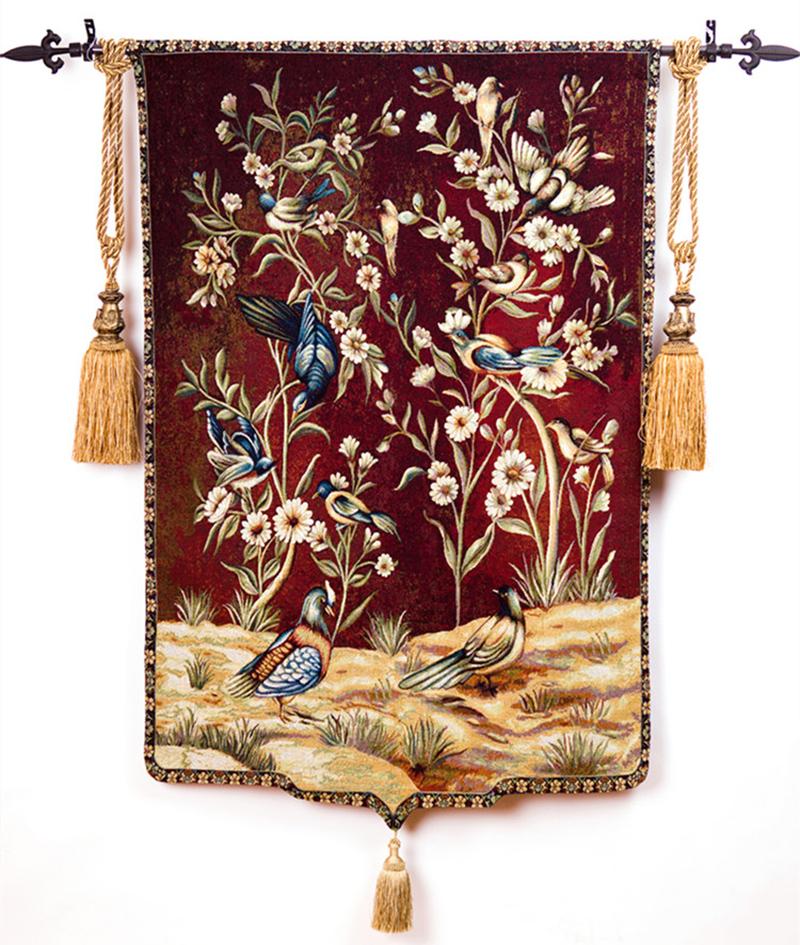 платья с гобеленовым рисунком