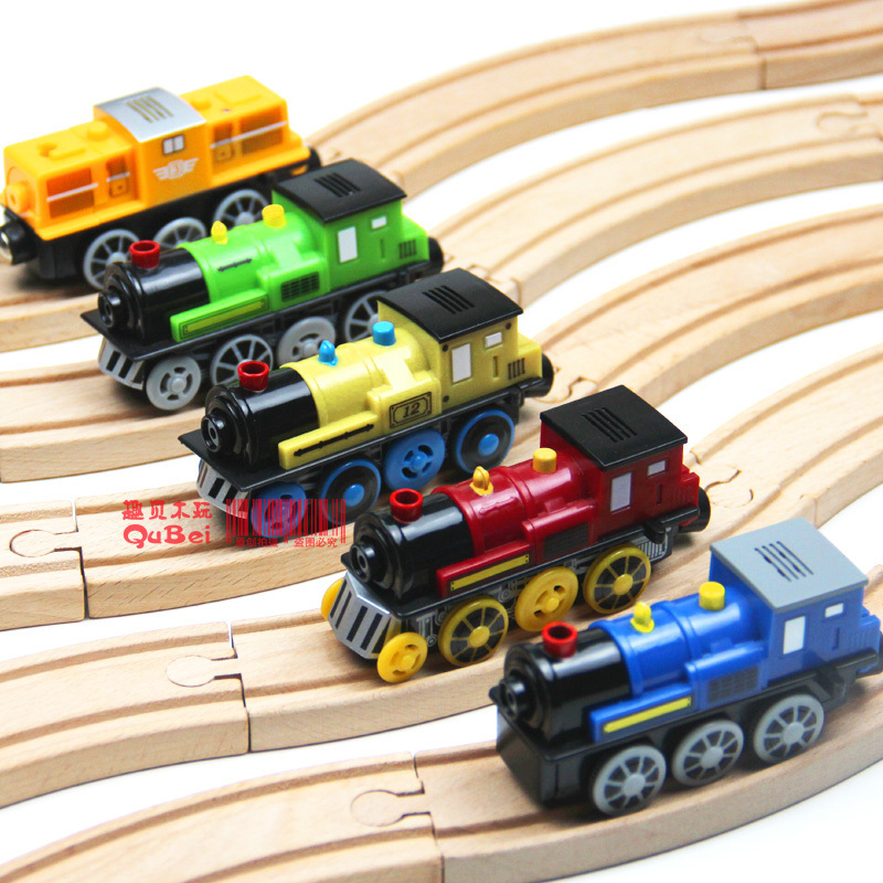 new 2014 Maxim magnetic electric locomotive sound emitting small wooden track Thomas train toy 1PCS(China (Mainland))