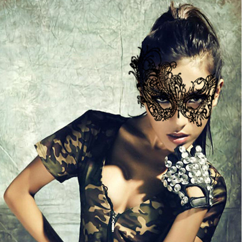 Hot Party Queen Black and White Cutout Lace Mask Women Sexy Animal Prom Party Masks Fascinating Funny Face Mask Masquerade Party(China (Mainland))