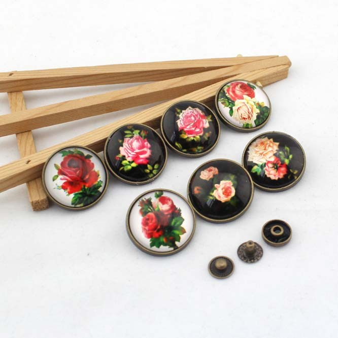 Vintage flowers rose pattern round antique brass Snap button 28mm DIY Handmade Sewing quilt decoration Bag accessories 7pcs/lot(China (Mainland))