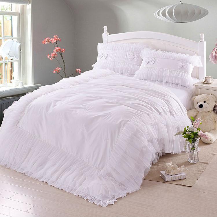 achetez en gros blanc dentelle couvre lit en ligne des. Black Bedroom Furniture Sets. Home Design Ideas