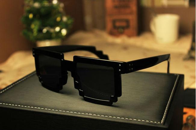 Retro Novelty Nerd Geek Gamer Colorful 2-Tone Pixel Glasses Mosaic sunglasses anti uva (TYJ-019)(China (Mainland))
