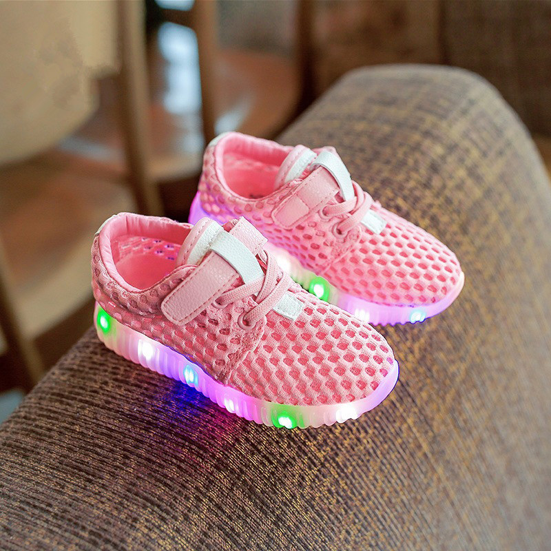 Girls sandals 2016 summer new children's shoes running shoes mesh sneakers casual shoes boys shoes lights sandals(China (Mainland))