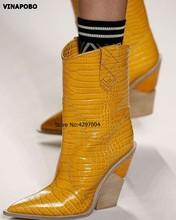 2019 novo couro genuíno chunky cunhas ankle boots mulheres sexy cobra padrão pontudo dedo do pé curto botas de cowboy sapatos de salto alto(China)