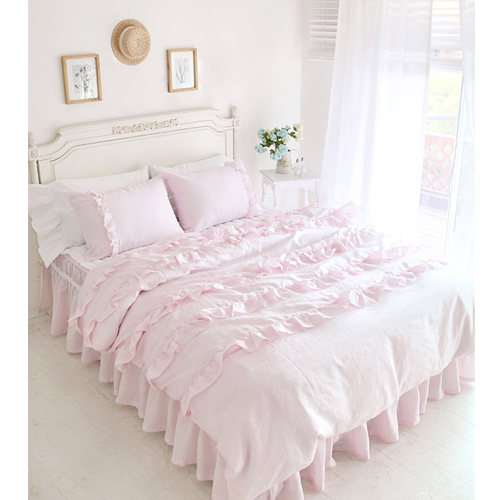 Textile beautiful pink lace ruffled comforter sets duvet for Frilly bedspreads