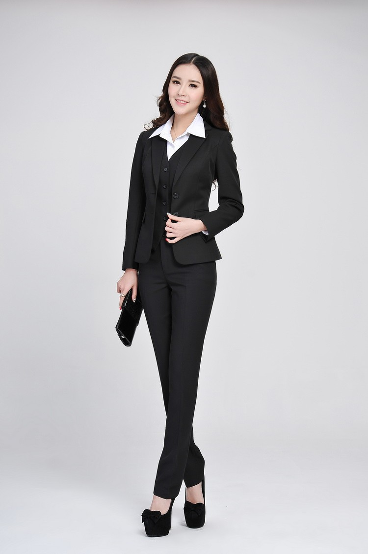 Suit vests for women offer dramatic menswear styling, especially if you choose a double breasted vest. Beyond our selection of dress vests from Alfani and Calvin Klein, we offer many options for the woman seeking a simple and comfortable vest.