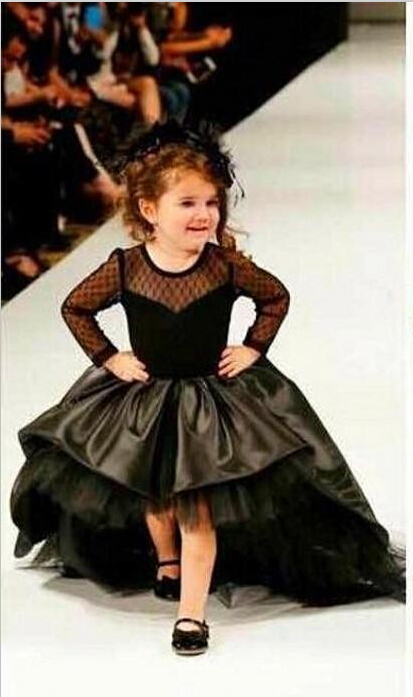 Hot Sale Black Princess Formal Dress Long Sleeves Scoop Taffeta Flower Girls Wedding Dress Pleat Court Pageant Tulle Ball Gowns(China (Mainland))