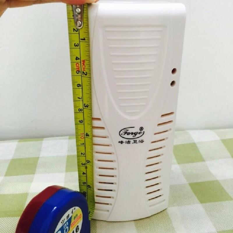 aerosol dispenser (18)
