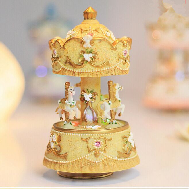 TOY STORES 2015 NEW Merry Go Round 3 Horse Rotating Carousel Figurine Music Box Play the Castle in the Sky Tune(China (Mainland))