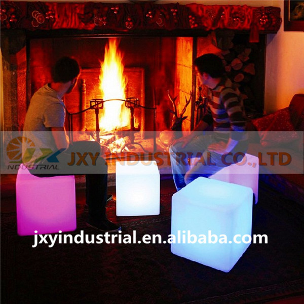 Free shipping 20cm 4pcs rechargeable waterproof plastic decorative RGB remote CONTROL lighted led cube chair(China (Mainland))