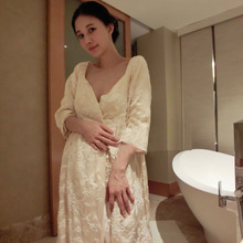 2016 New Winter Women'S Long Velvet Robe Beige And Pink Sleepwear Royal Embroidering Princess Nightgown Free Shipping(China (Mainland))
