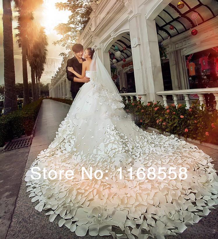 Luxurious Wedding Dresses - Ocodea.com