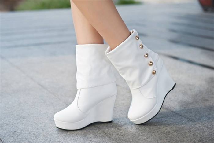 Women's fashion rivets wedges, the European version of the new ladies-in-tube high-heeled boots  //Slope with motorcycle boots(China (Mainland))