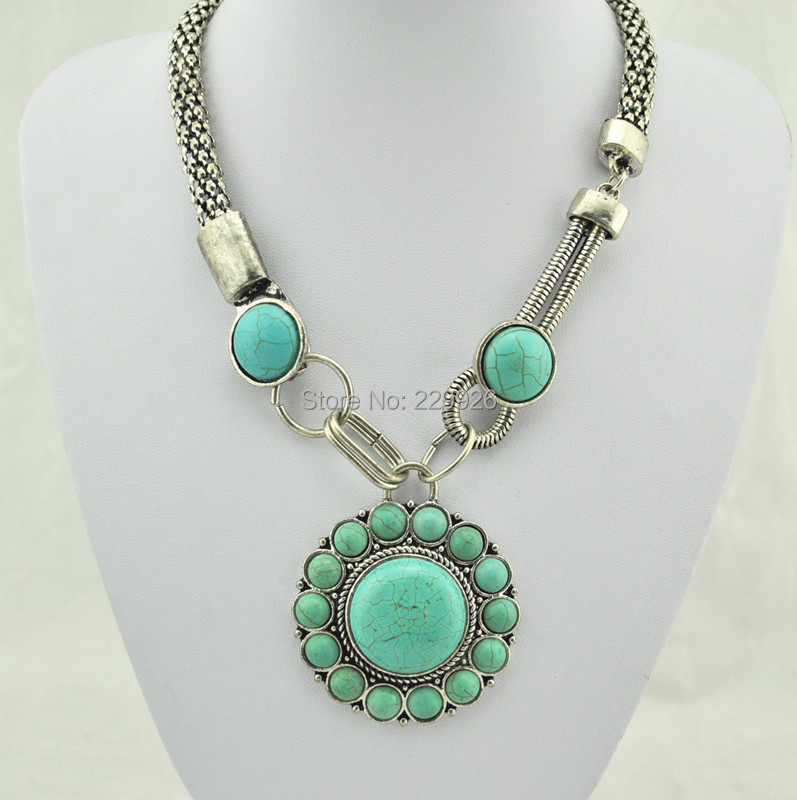 (Turquoise bead, not plastic or resin )Vintage Look Tibet antique Silver Plate Necklace pendent jewery Round Turquoise Bead N253(China (Mainland))