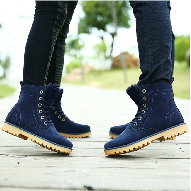 Comprar Botas para Mujer de Primeras Marcas a precio Outlet es una realidad en la Tienda Online Calzado y Moda. Envió en 24/48 Horas. Botas al Mejor Precio.
