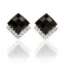 Free Shipping $10 (mix order)  New Fashion Vintage Black Stones Crystals Stud Earrings Black Jewelry E086(China (Mainland))