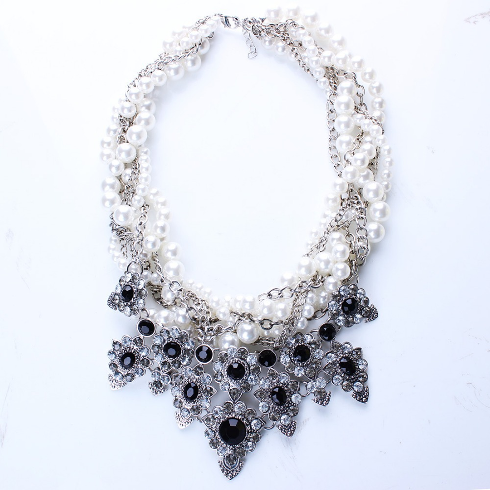 New Resin Imitation Pearl Knitted Choker Statement Necklaces Resin Flower Necklaces Pendants for Women Jewelry N25691