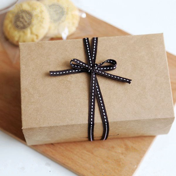 Free shipping bakery package kraft paper cookie dessert box hard card biscuit cake box gift packing boxes favor supplies(China (Mainland))