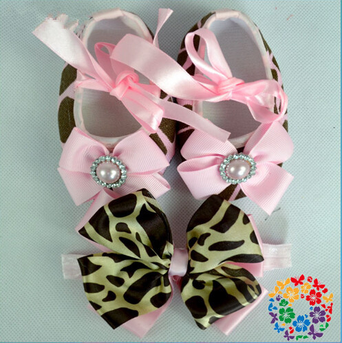 Cute Baby Rhinestone/pearl Crown Girl zapatos bebe,fashion baby boots shabby flowers Crib baby girl shoes Headbands set(China (Mainland))