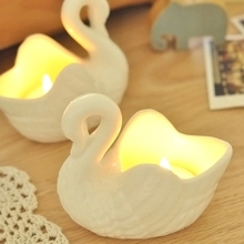 FBH140303  2pcs/lot creative retro romantic simple European-style ornaments swan style ceramic candle holder free shipping(China (Mainland))