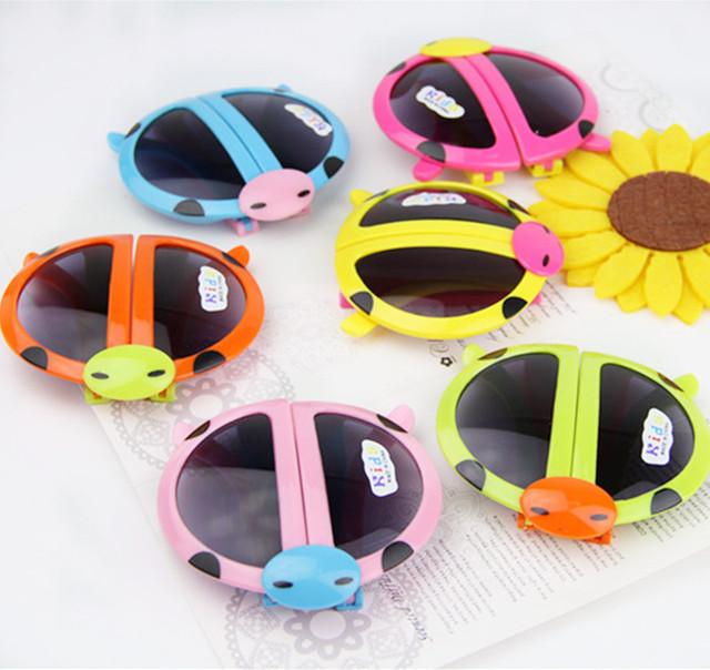 солнцезащитные очки женские Солнцезащитные очки óculos новые дети мода мультфильм складной жук летом стиль очки анти-уф мальчиков девочек зрелищ