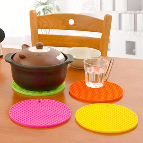 Creative Candy Color Waterproof Silicone Anti-Slip Heat Insulation Table Mats Cup Mat Cup Coaster Kitchen Accessories Retail(China (Mainland))