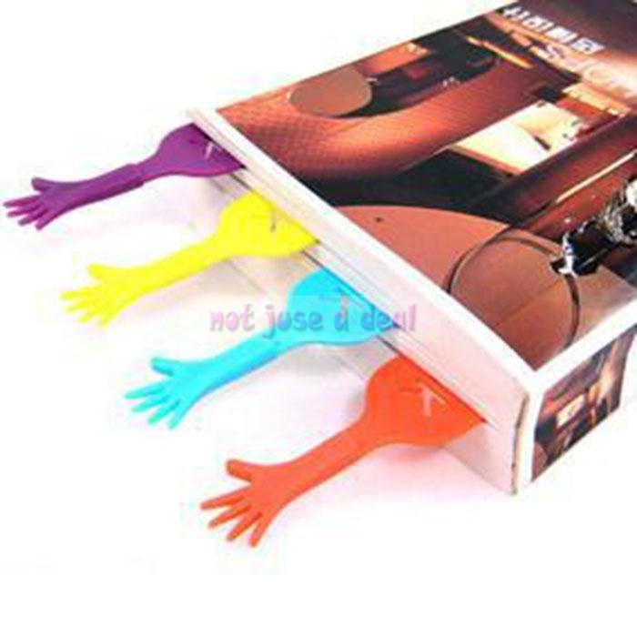 4PCS Lovely HELP ME Hand Bookmark Stationery Ducument Novelty Book Marker Label(China (Mainland))