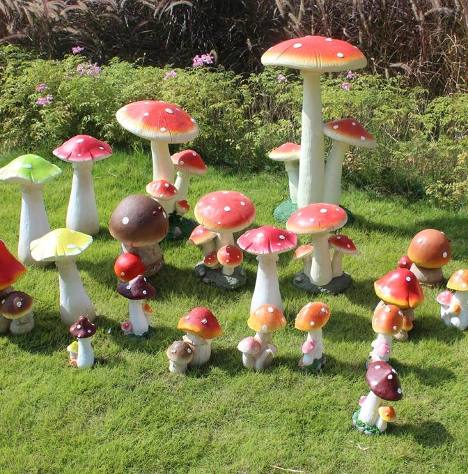Villa mushroom garden sculpture ornaments simulation for Garden decking ornaments